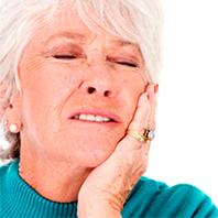Por que as dentaduras machucam?